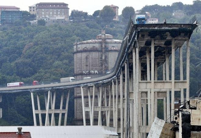 Genova_Ponte_Morandi_Rotto_Lapresse_thumb660x453.jpg